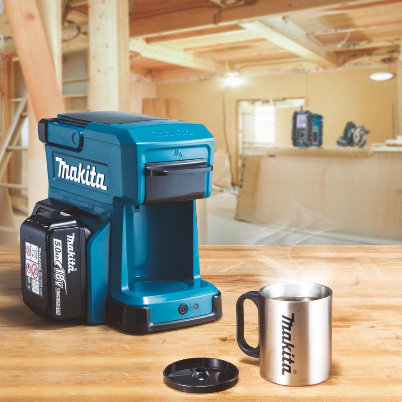 Makita DCM501Z Akku-Kaffeemaschine im Karton