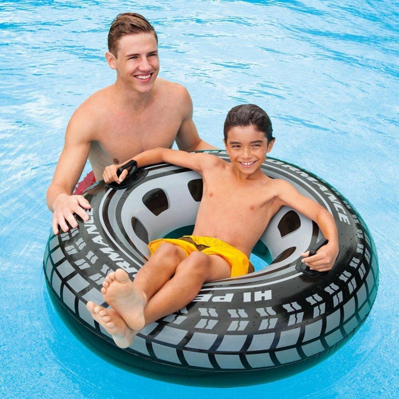 Intex Schwimmring Schwimmreifen Autoreifen aufblasbar Badespaß Haltegriffe 114cm